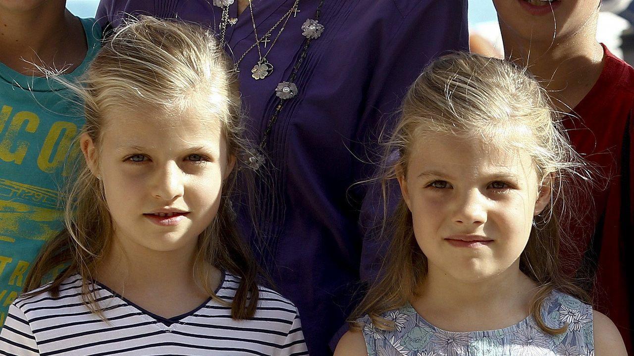 La Reina Sofía y varios de sus nietos en verano de 2013