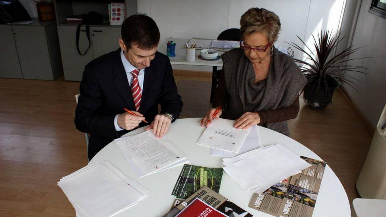 Rosalía Mera con Luis Llamas. Imagen de archivo