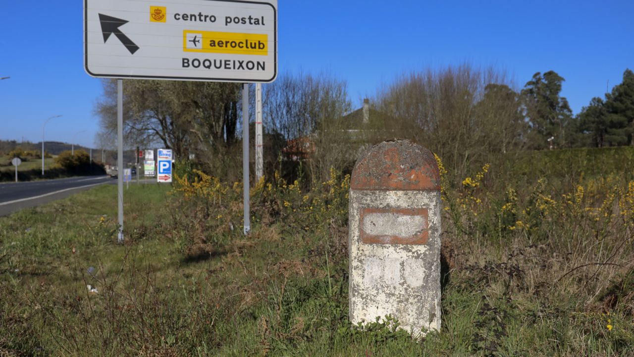 Poste del plan Peña cerca de Lavacolla