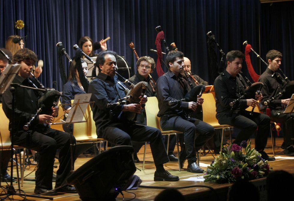 Autores incluso quiere cobrar en O Son por actuaciones de Suevia, cuyos temas son propios.