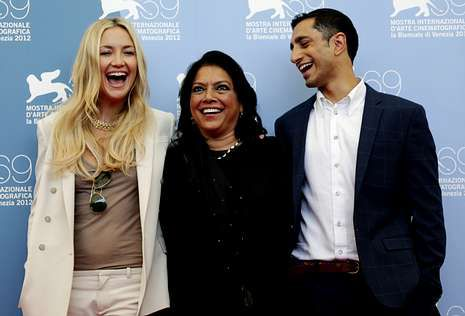 Clint Eastwood en la convención republicana.La directora Sami Nair, flanqueada por los actores Kate Hudson y Riz Ahmed.