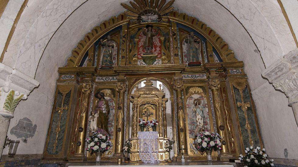 Uno de los retablos de la iglesia de San Xillao