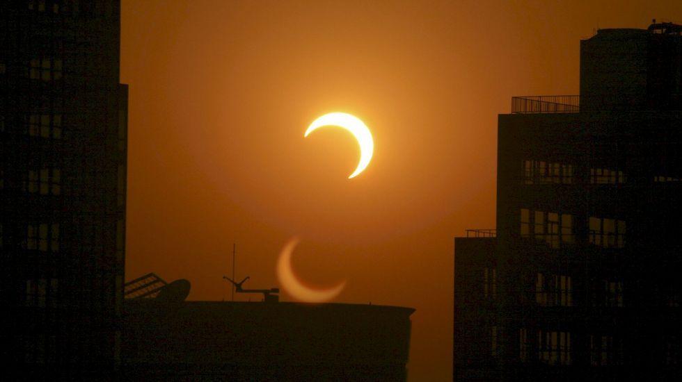 El eclipse anular de sol, en streaming.Paisaje seco de Ponga