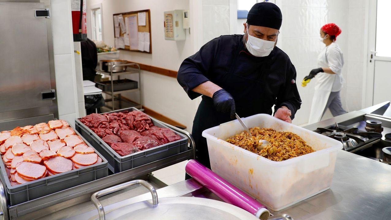 Voluntarios de la Cocina Económica de Oviedo
