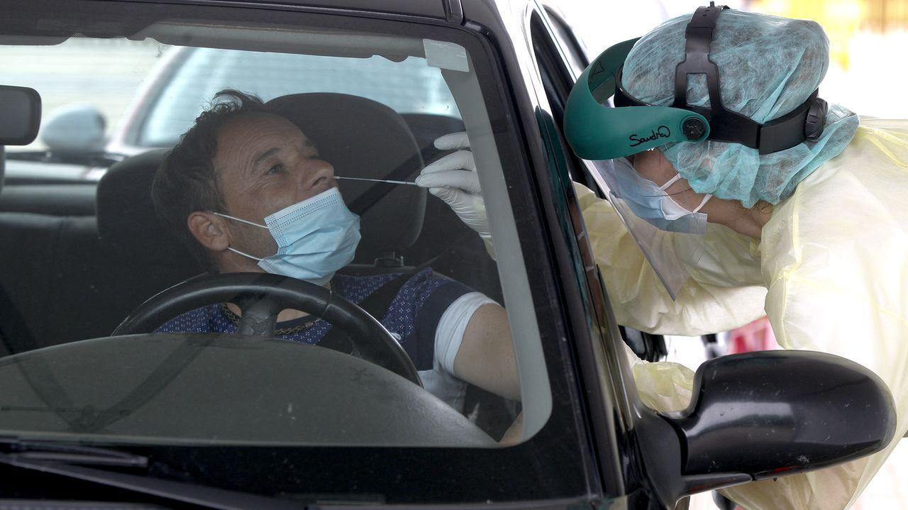 Entrada de urgencias del hospital Montecelo, en Pontevedra, donde hay este miércoles 20 pacientes de covid en planta y 3 graves en la uci