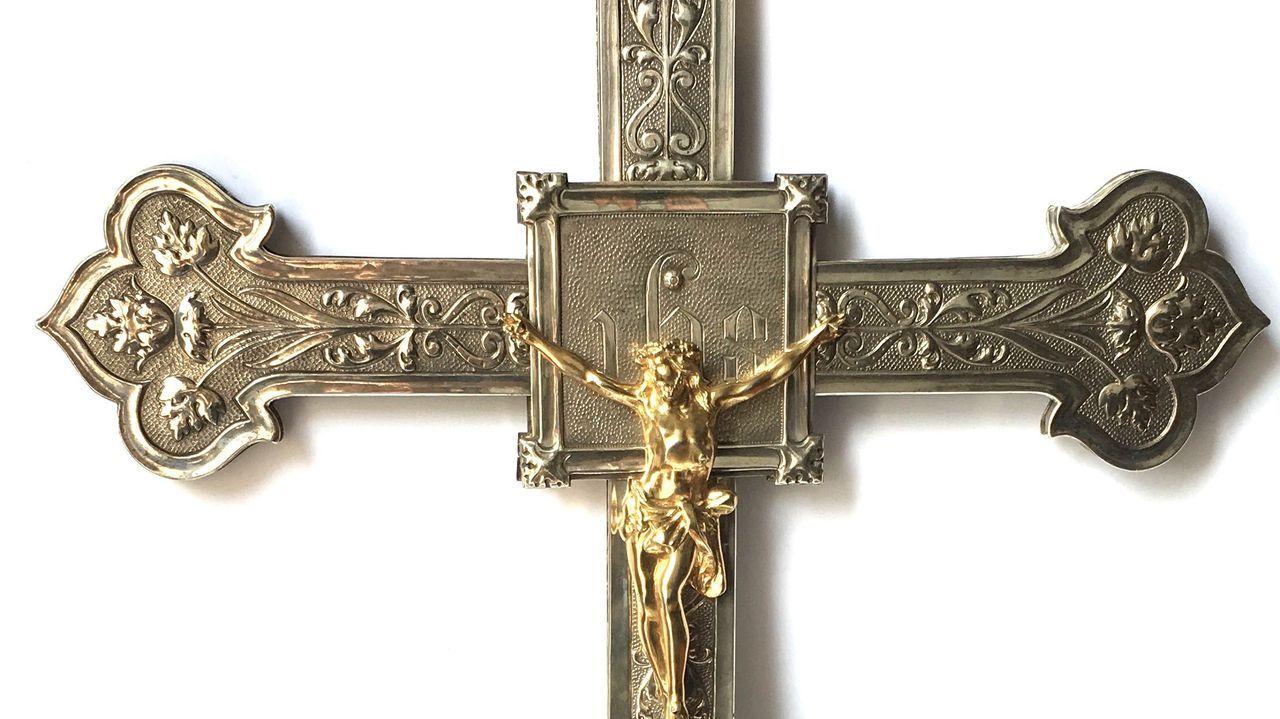 Reapertura del pórtico de la Gloria a las visitas.Cruz de San Cremenzo de Pazos