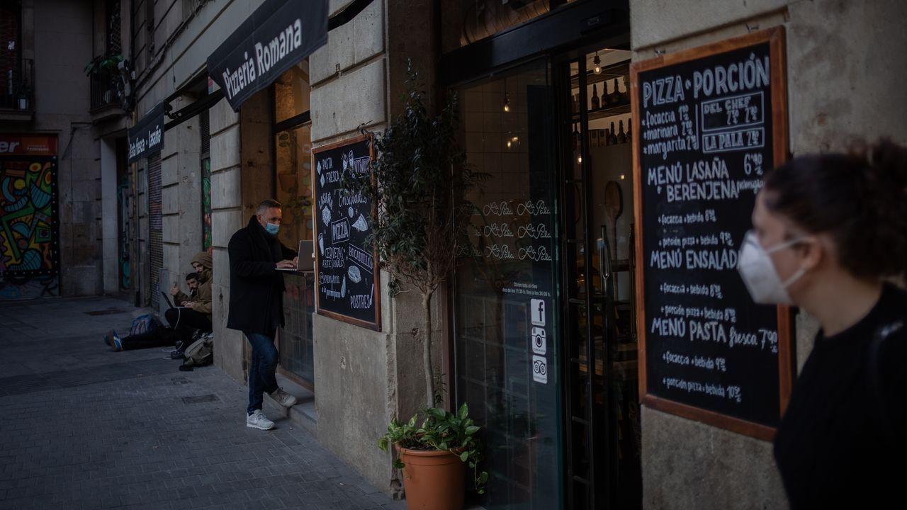 Locales cerrados por el coronavirus en Barcelona