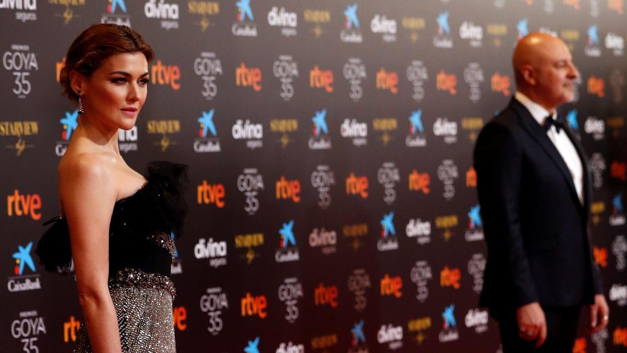 La actriz María Nieto y el actor Roberto Álamo.