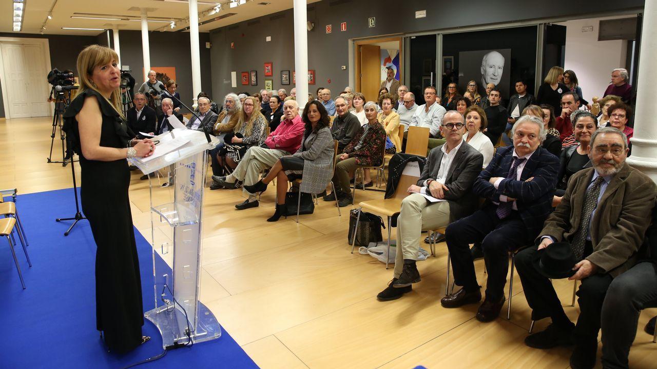 Yosi presenta la Feira do Libro de Ourense.Calle de la Reja Dorada, en la Ciudad Vieja de A Coruña