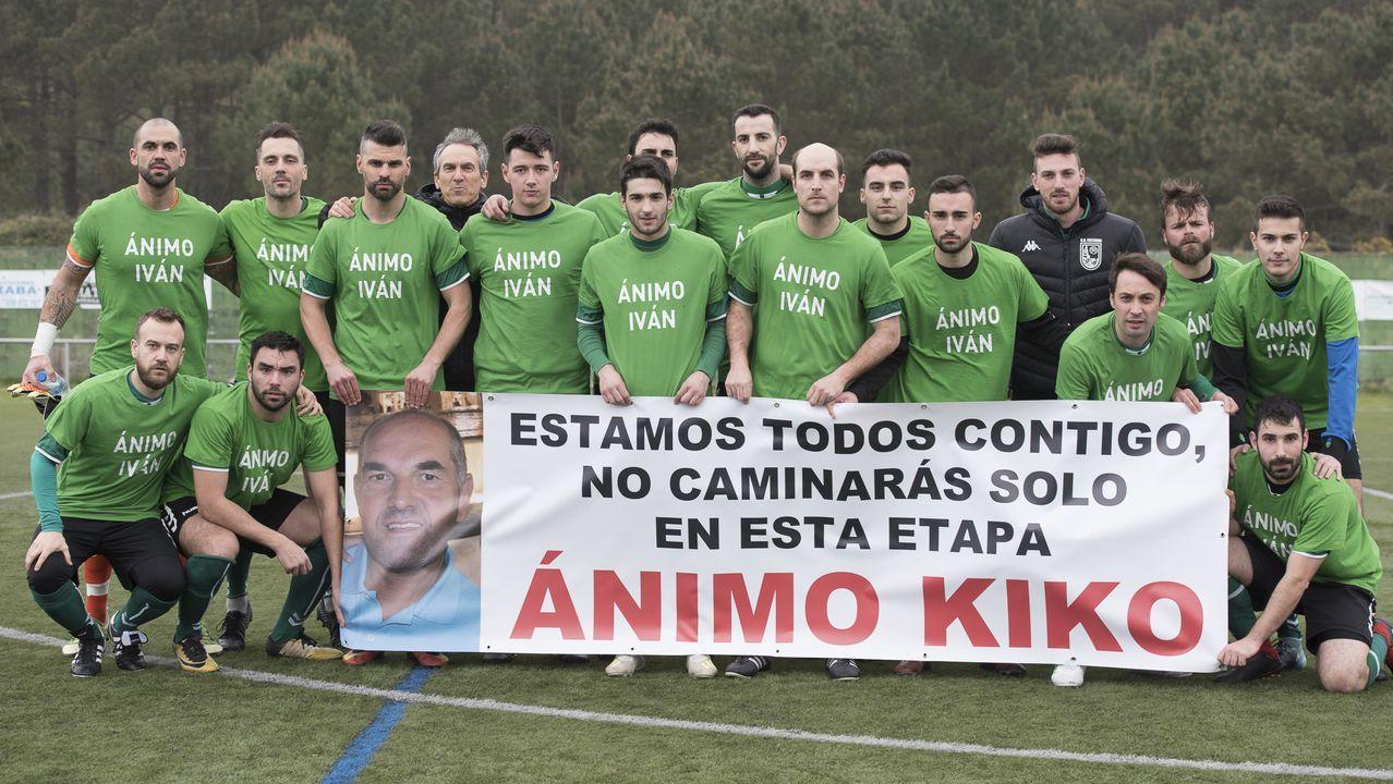 José Luis Negreira, Rubio de San Salvador, no centro da fila superior na súa etapa de xogador do Xallas