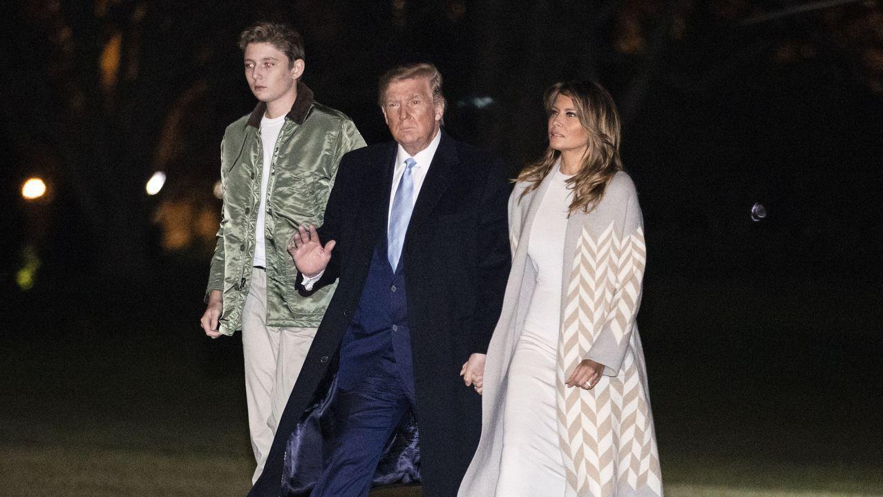 Trump, a su llegada a Washington con su esposa Melania y su hijo Barron