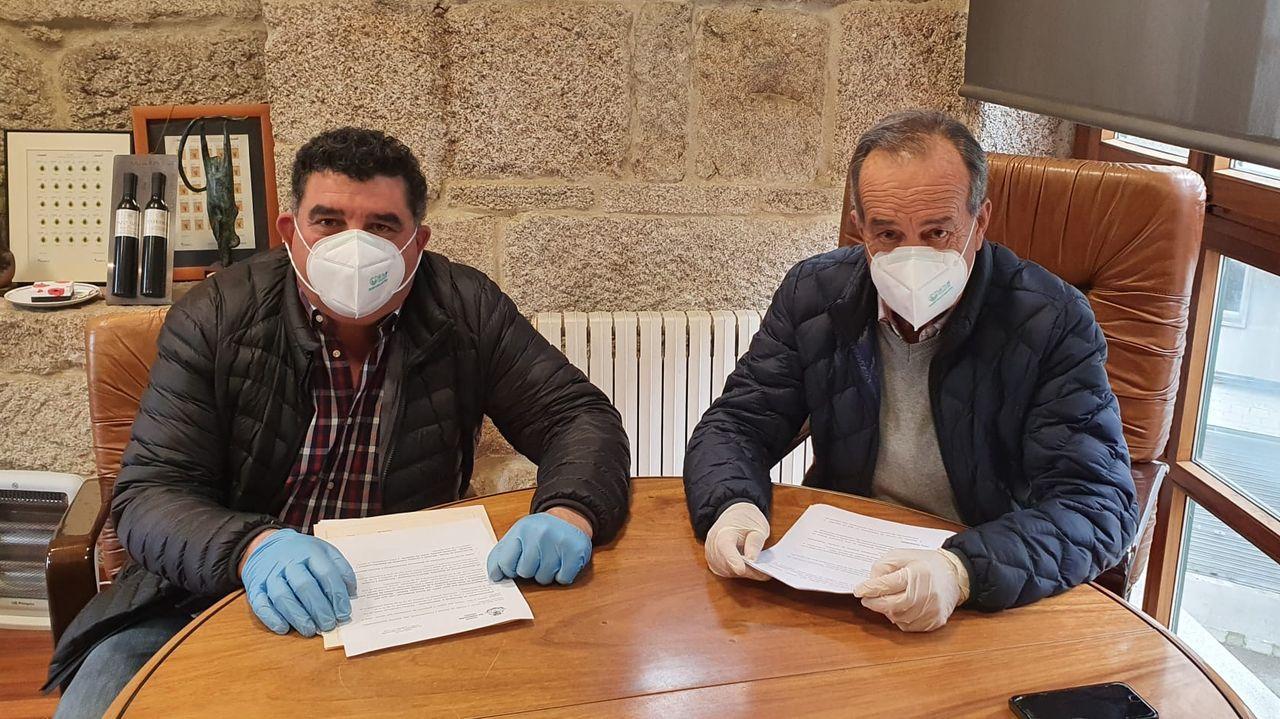 Manuel Sotelo y Francisco Fumega, durante el anuncio de las nuevas medidas