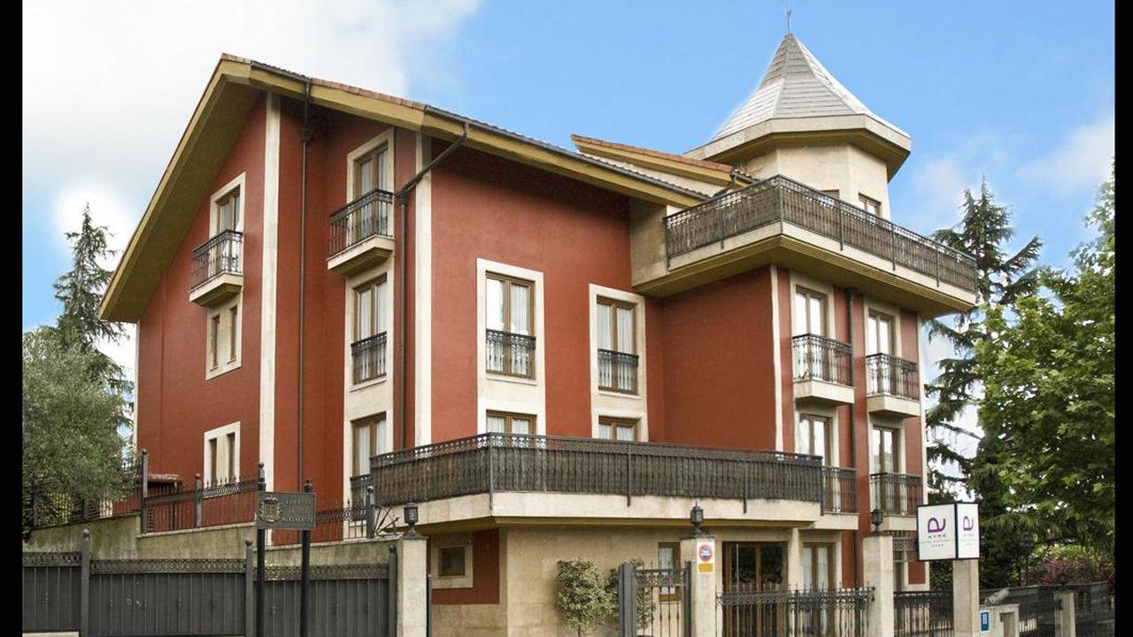 Hotel Alfonso II, en el bario de Ciudad Naranco de Oviedo.
