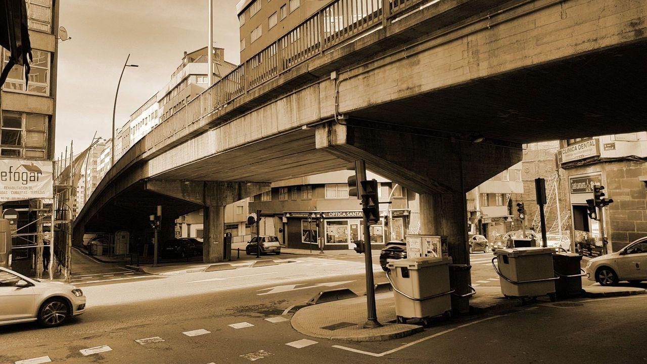 Desde los años 70 el viaducto eleva el tráfico a la altura de casas y negocios. Los vecinos llevan años pidiendo su retirada