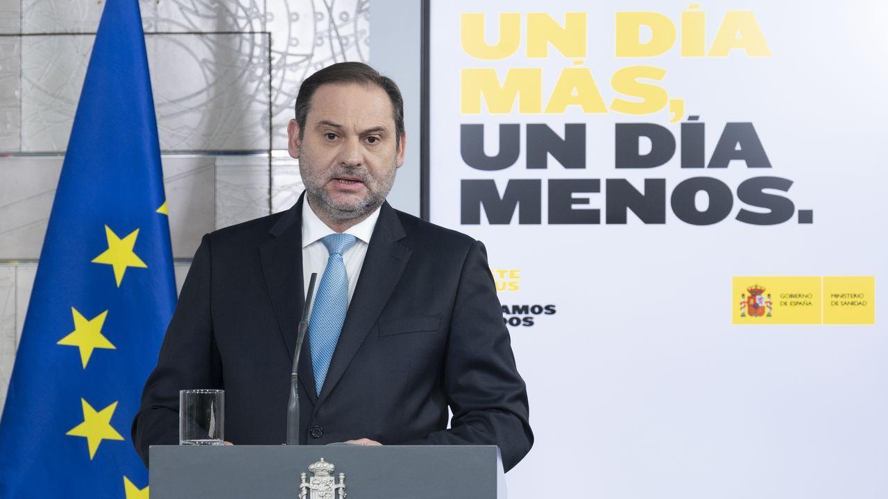 El ministro de Transportes, José Luis Ábalos, en una rueda de prensa en la Moncloa
