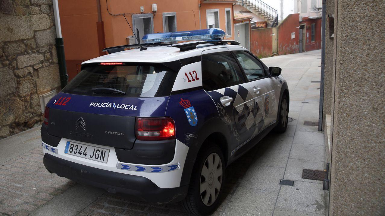 Policía Local de Ribeira