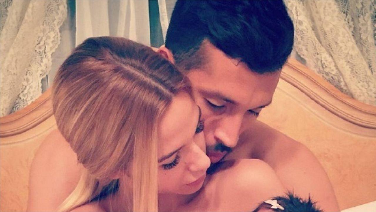 Tamara Gorro y Ezequiel posan de lo más sensuales