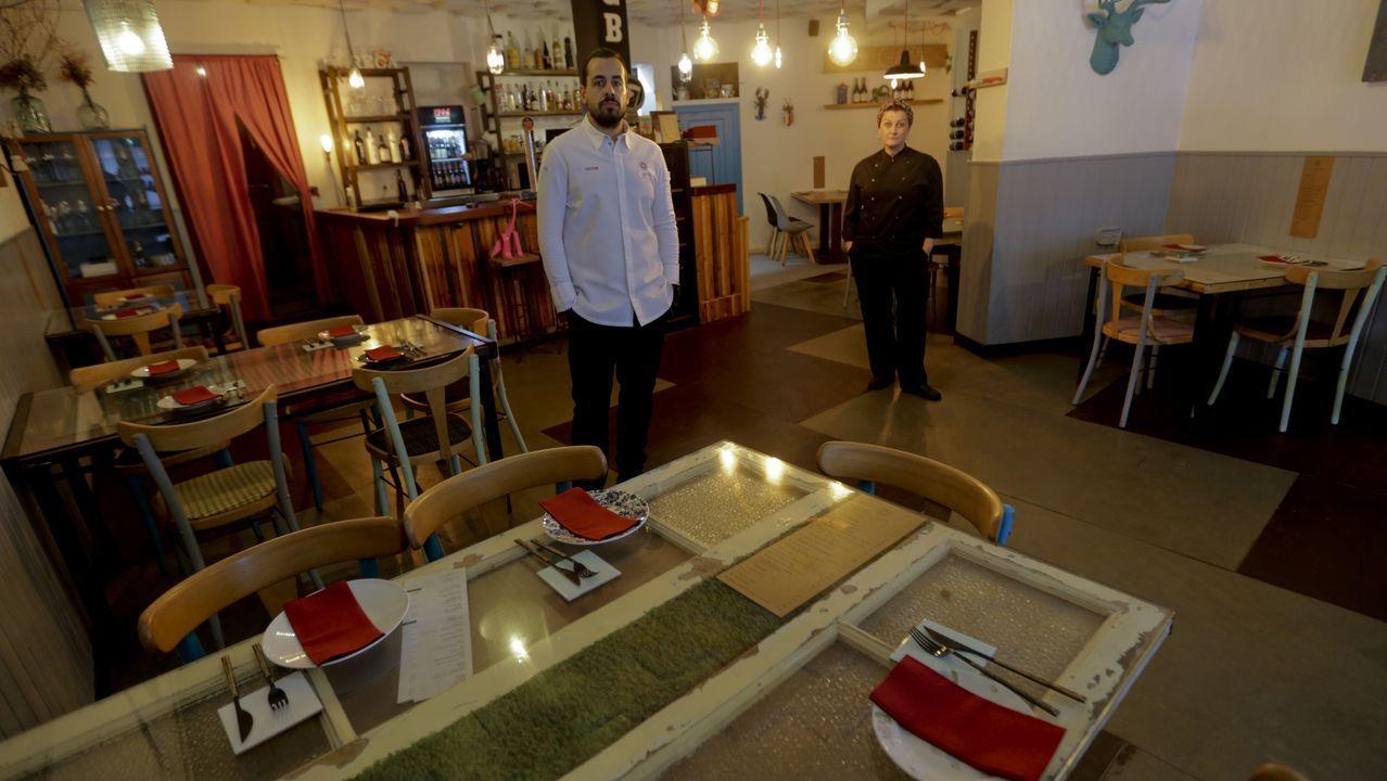 En Greca tuvieron que eliminar tres mesas y el aforo se redujo a 22 comensales. Para intentar hacer frente a esta nueva situación, intentarán fomentar un poco más el servicio a domicilio