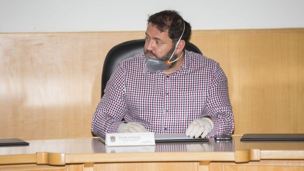 Faustino Santiago: «Se queres tranquilidade xa sabes o que tes que facer (...) Se non me pos, ti non es alcalde hoxe».García Carballido, en una sesion plenaria el pasado marzo
