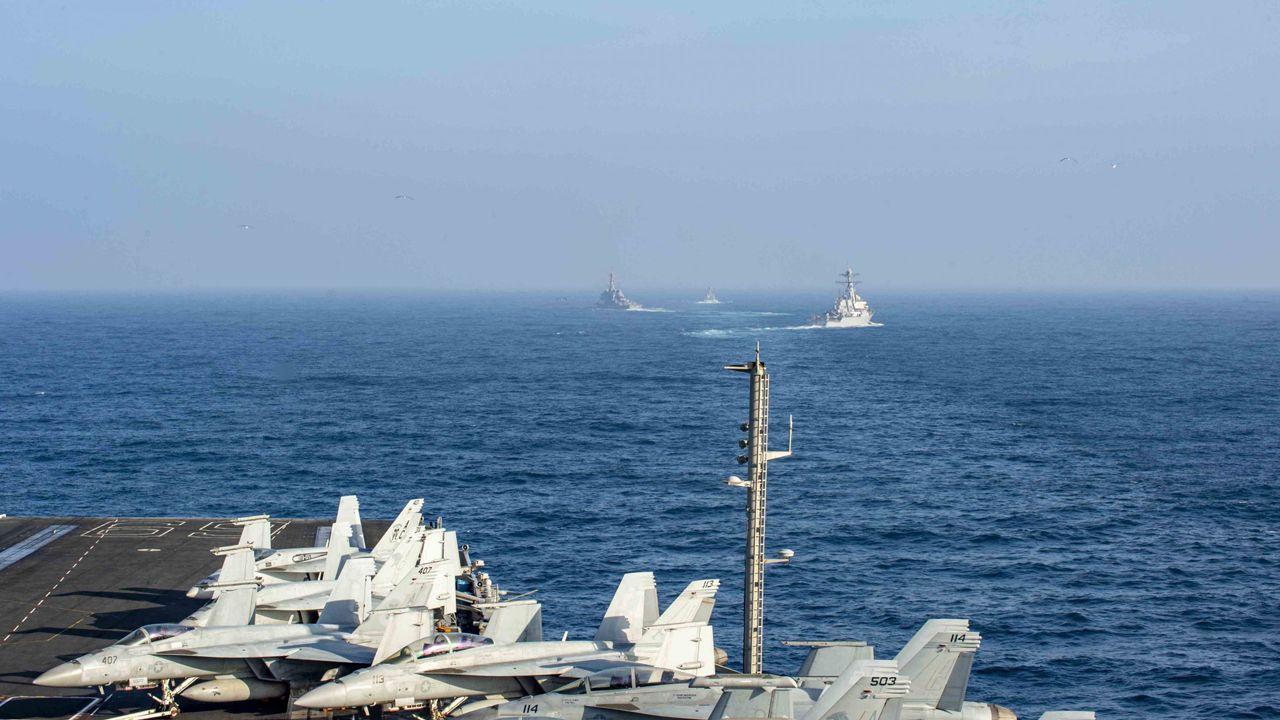 Así está siendo el inicio del despliegue de la Brilat en Rumanía.Portaaviones USS-Eisenhower y destructores estadounidenses