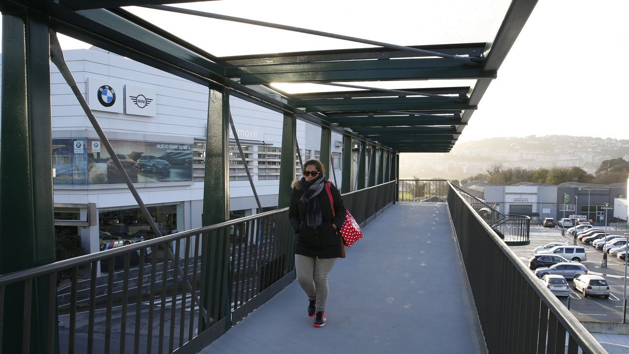 En primer término el viaducto de Ruitelán, de la A-6 y que fue de la N-VI, y que estará cortado hasta la primavera, y arriba el de Samprón, que se usarán en doble sentido de circulación