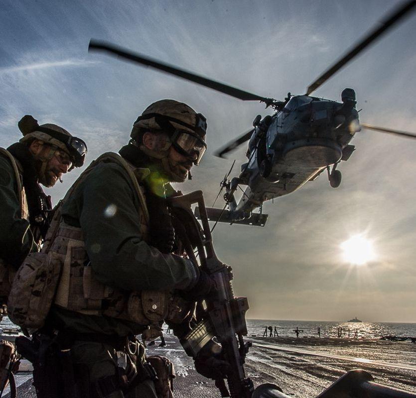David Cameron anuncia su adiós.Imagen publicada por la OTAN sobre los ejercicios Joint Warrior.