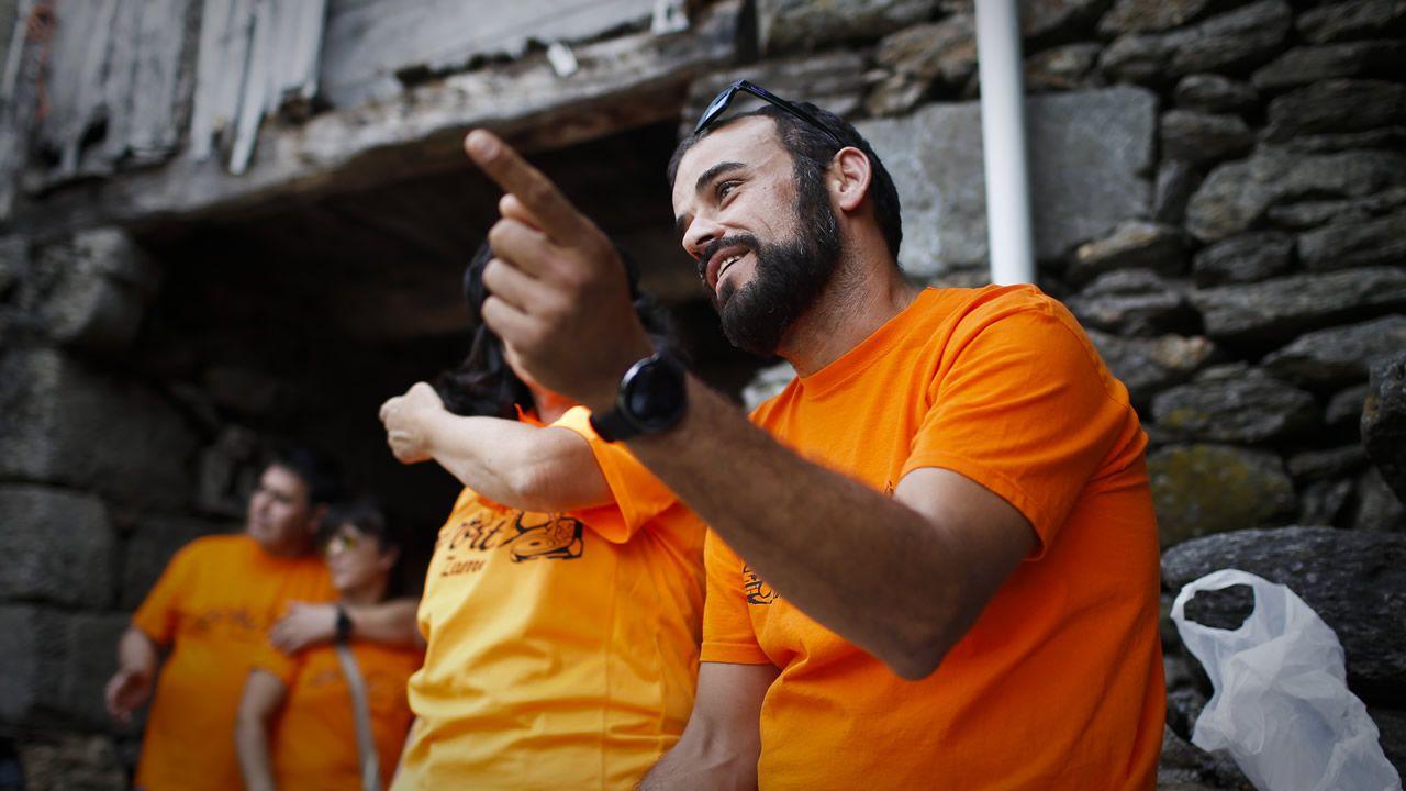 «Xa hai tempo que tiñamos que ser de Galicia. Aquí non miran por nós».Un ejemplar de lobo fotografiado en el concello coruñés de Dumbría