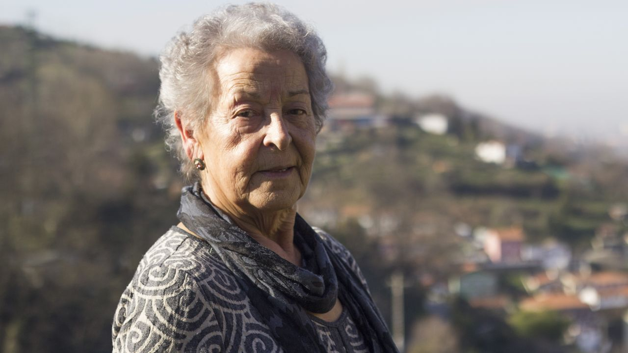 mas.Mercedes Carreira, de Vila de Cruces, fue una de las primeras gallegas que llegó a Masustegi. Ella y su marido levantaron su propia casa en el monte Caramelo, con vistas a San Mamés