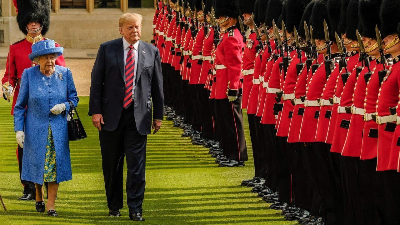 Primeras imágenes de la cuarta temporada de «The Crown».Imagen con el supuesto desnudo de Trump, con sus partes íntimas pixeladas. Puedes ver la foto al completo en esta noticia. Se trata realmente de un fotomontaje de la artista Alison Jackson