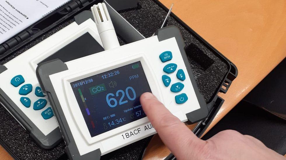 Detector de CO2 adquirido por el AMPA del IES Eusebio da Guarda de A Coruña