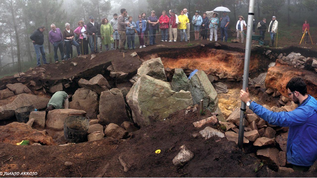 Excavaciones en el dolmen de la Cobertoria (Salas)