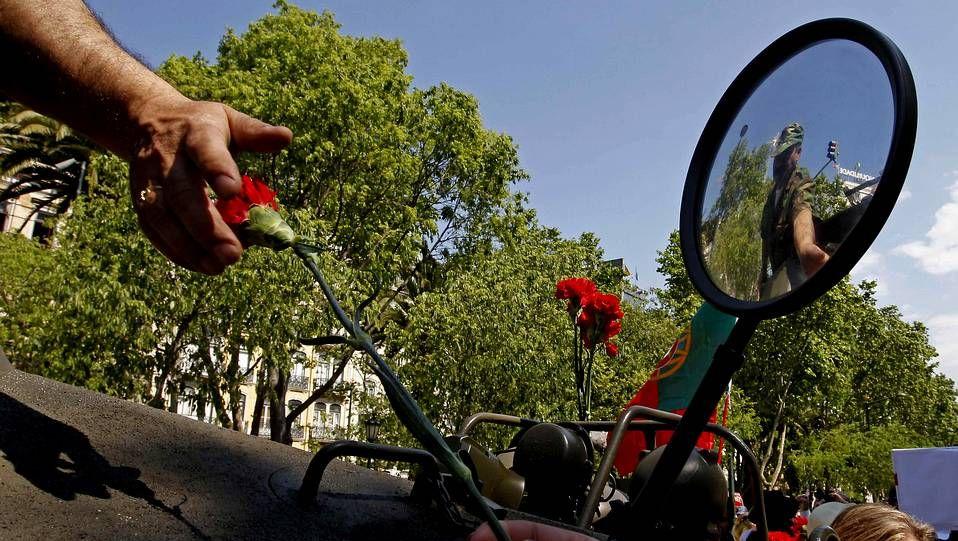 Claveles rojos contra la austeridad