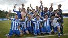 Jugadores del Juvenil A del Deportivo, tras proclamarse campeones de grupo