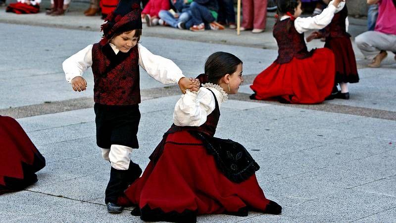 La ciudad se rinde ante la danza gallega