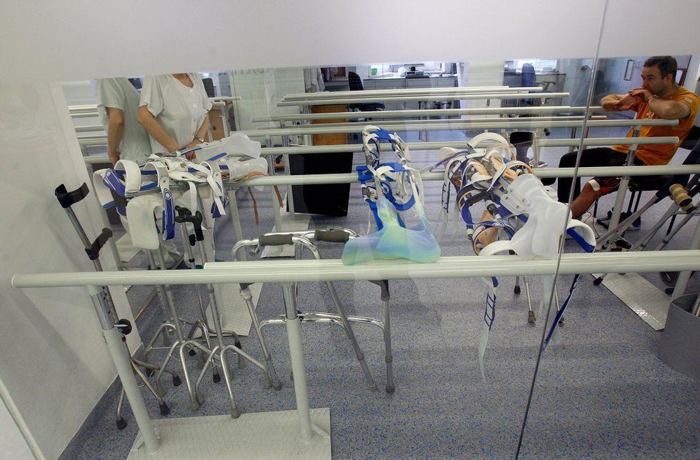 Imagen de archivo de un paciente en el servicio de rehabilitación del hospital de A Coruña.