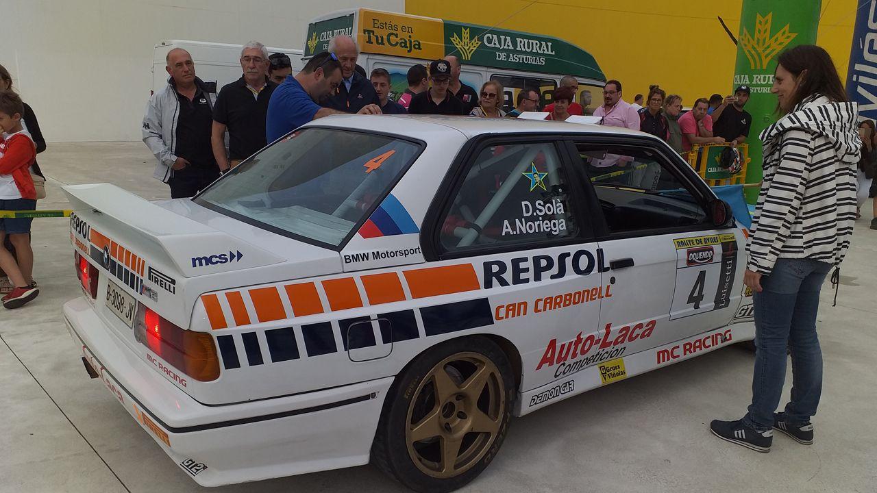 Dani Solá y Alex Noriega tomando la salida en la 43 edición del Rallye de Avilés, con el BMW M-3