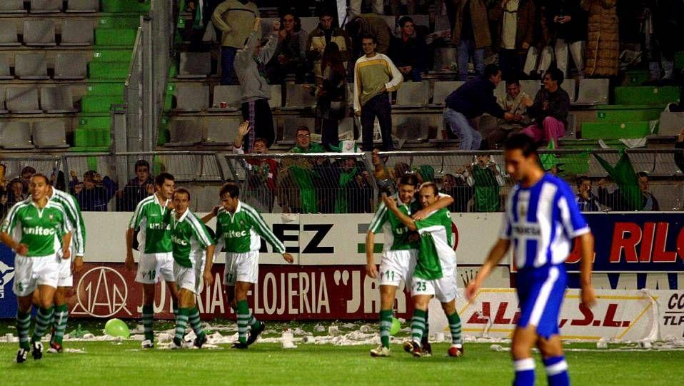 Resumen del histórico Racing de Ferrol - Deportivo.Eusebio recibió un cálido homenaje del público lisboeta en el año 2009.