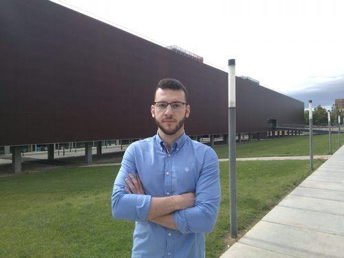 Alejandro Costoya es de Betanzos y está terminando Ingeniería Biomedica en Valencia