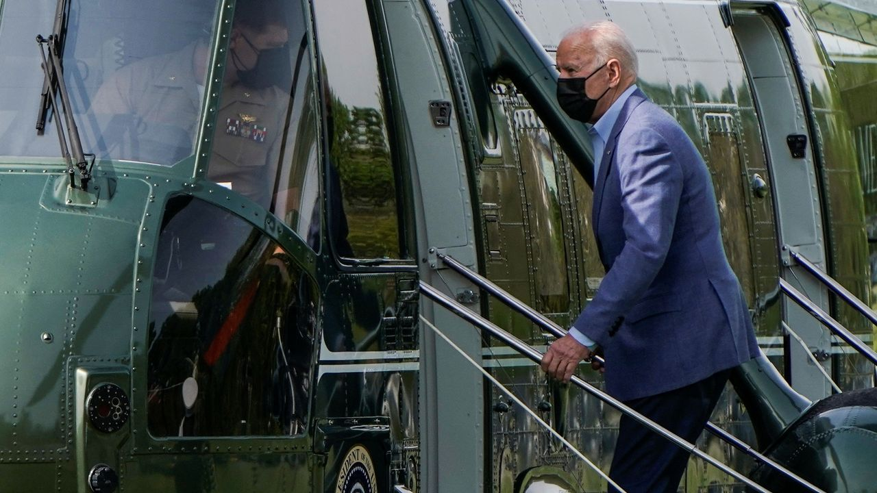 Así está siendo el inicio del despliegue de la Brilat en Rumanía.Joe Biden sube al helicóptero presidencial para viajar, este sábado, a su residencia de Delaware