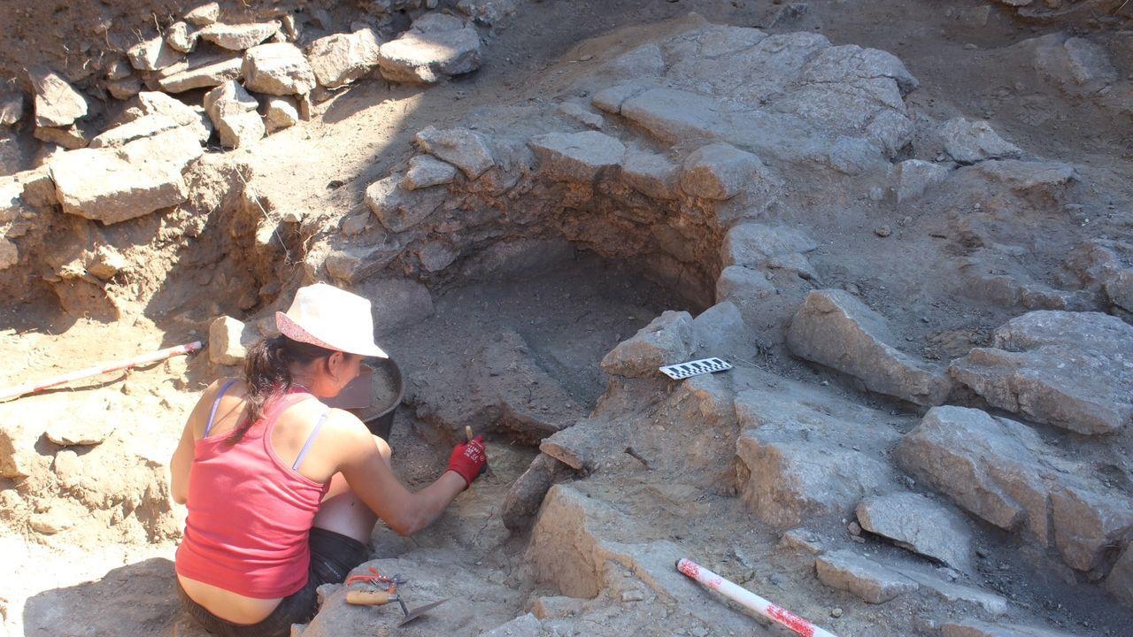 En el lugar de Barxacova, en Parada de Sil, se excavaron hace pocos años los restos de un antiguo monasterio