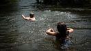 Las altas temperaturas llegaron a superar la barrera de los cuarenta grados en zonas de la cuenca ourensana del Miño