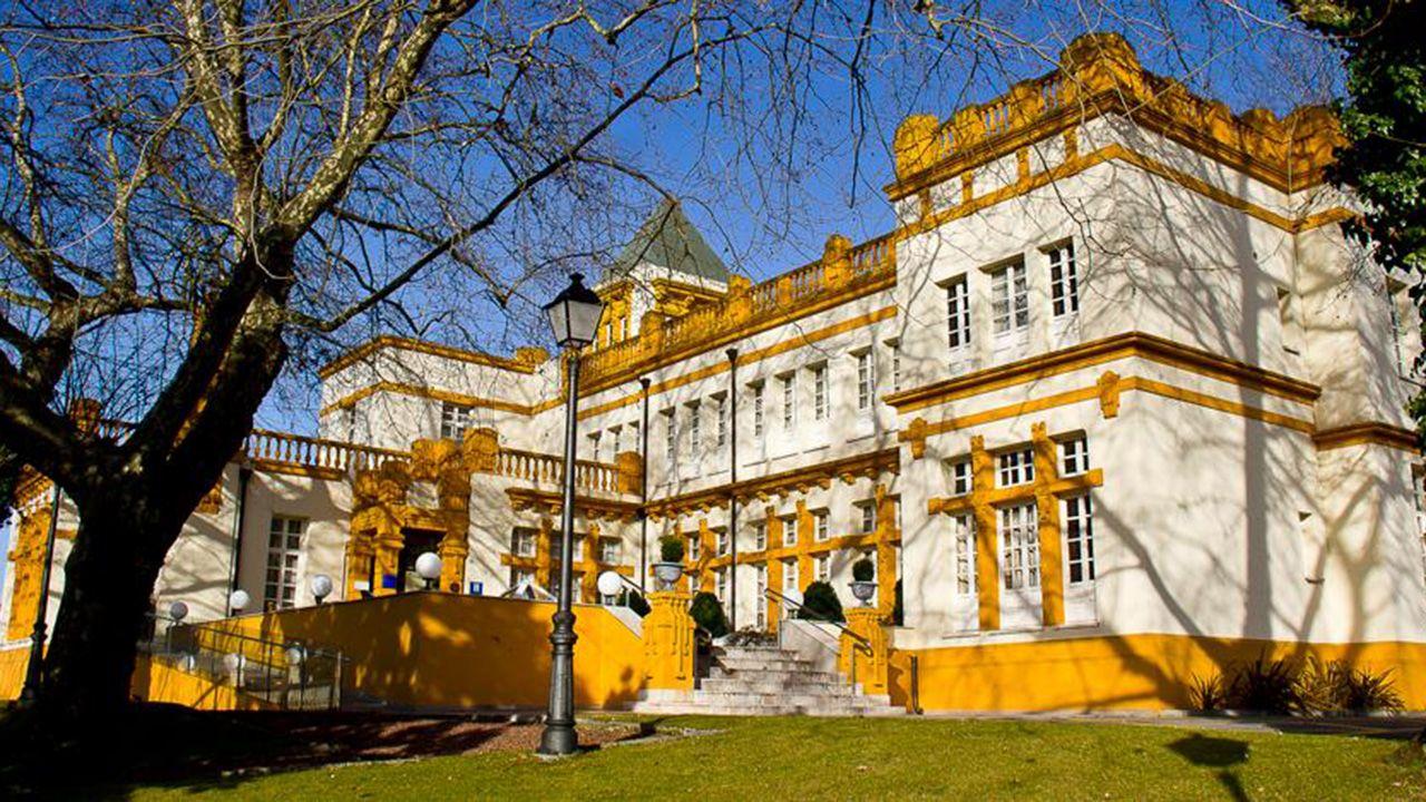 Hotel Palacio de las Nieves, en La Felguera.
