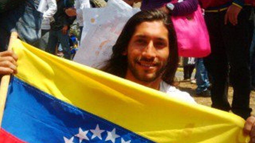 Renzo Prieto. Voluntad Popular. Diputado suplente (de Gaby Arellano, en reposo médico), que no pudo ocupar su escaño. Fue detenido el 10 de mayo del 2014.