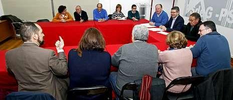 La ejecutiva provincial del PSOE se reunió ayer, a última hora de la tarde, en la sede.