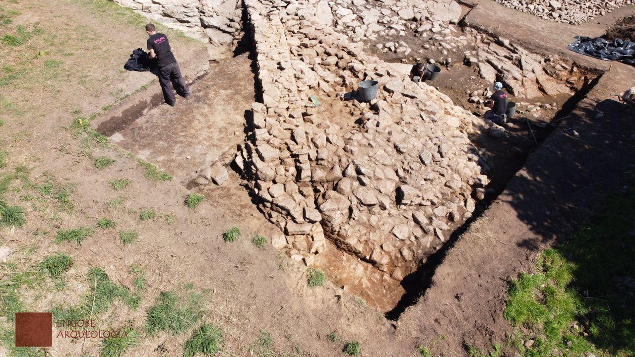 Excavación en la zona del torreón