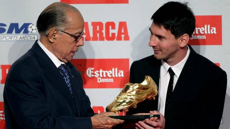 Los candidatos al Balón de Oro.Messi, custodiado en Arabia