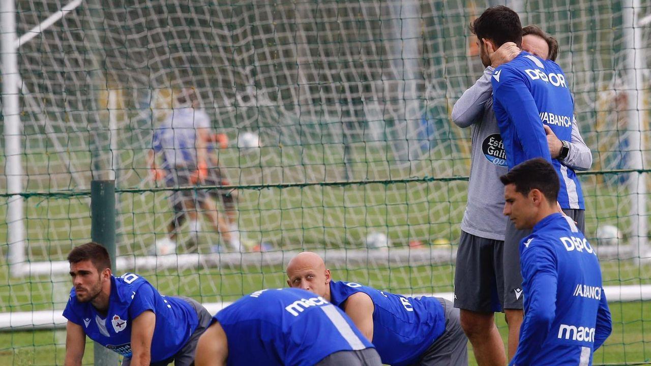 Álbum de fotos: Entrenamiento del Deportivo después de la derrota contra el Girona.Lluis Carreras, José Luis Oltra y Juan Carlos Unzué