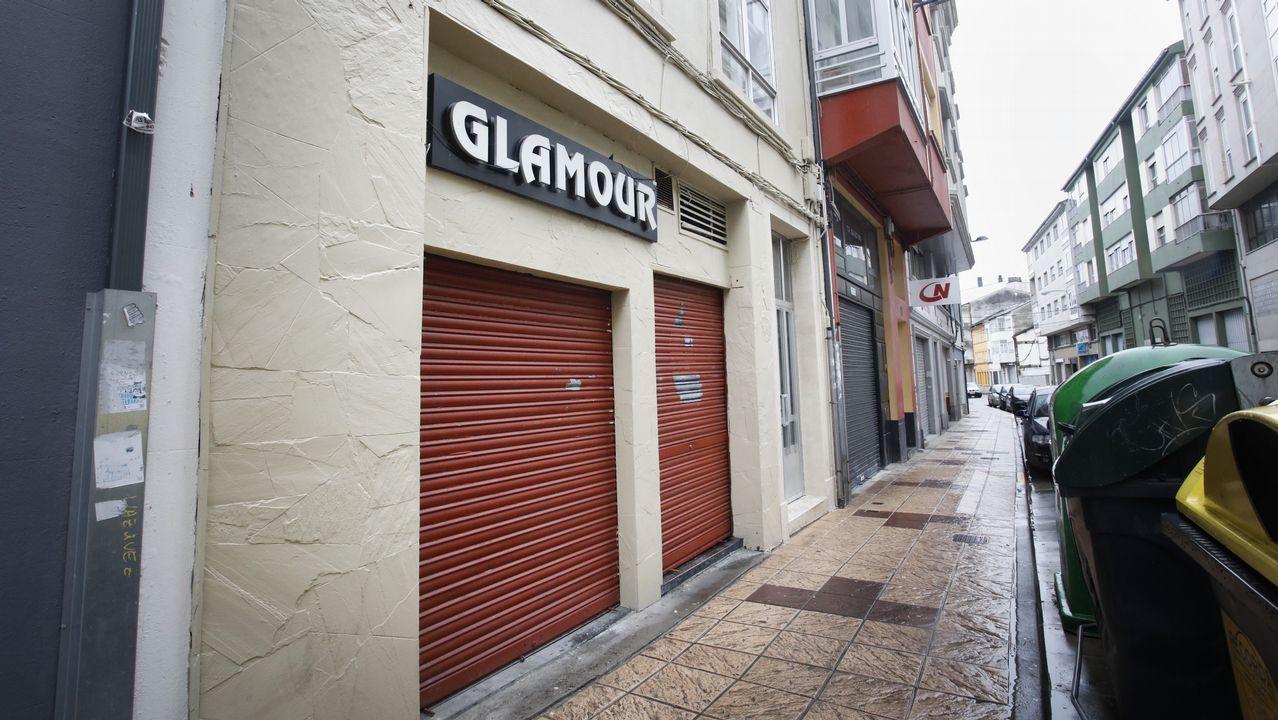 Los dueños de un club de alterne eluden la cárcel pese a no tener dadas de alta a las chicas.Prostituta en la zona de Beiramar, en Vigo