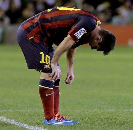 Toda la actualidad de la Liga de Campeones.Leo Messi, tras lesionarse en el partido de ayer ante el Betis.