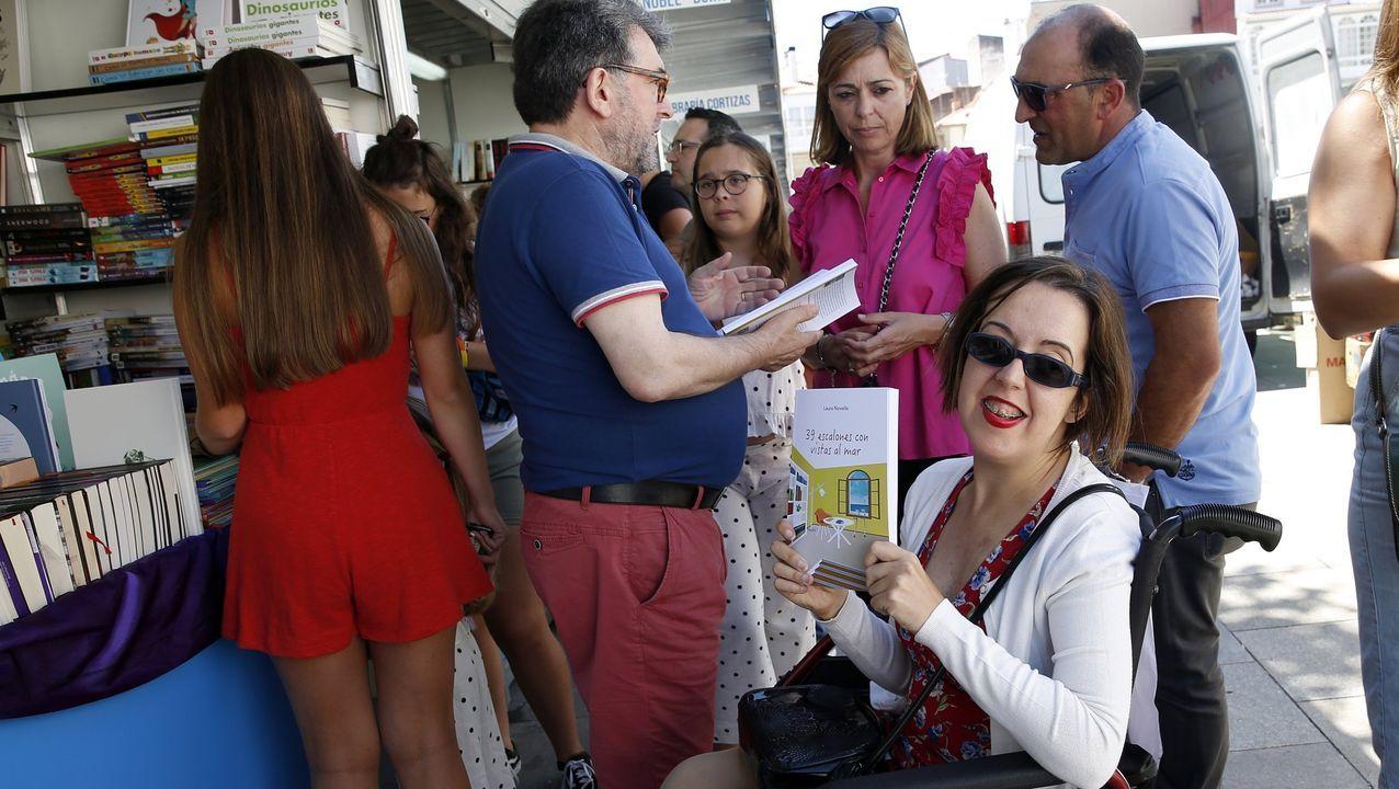 La feria del libro y de artesanía Mostrart se mantendrán con las «máximas medidas de seguridad».Ángel de la Calle, director de la Semana Negra, y Ana González, alcaldesa de Gijón